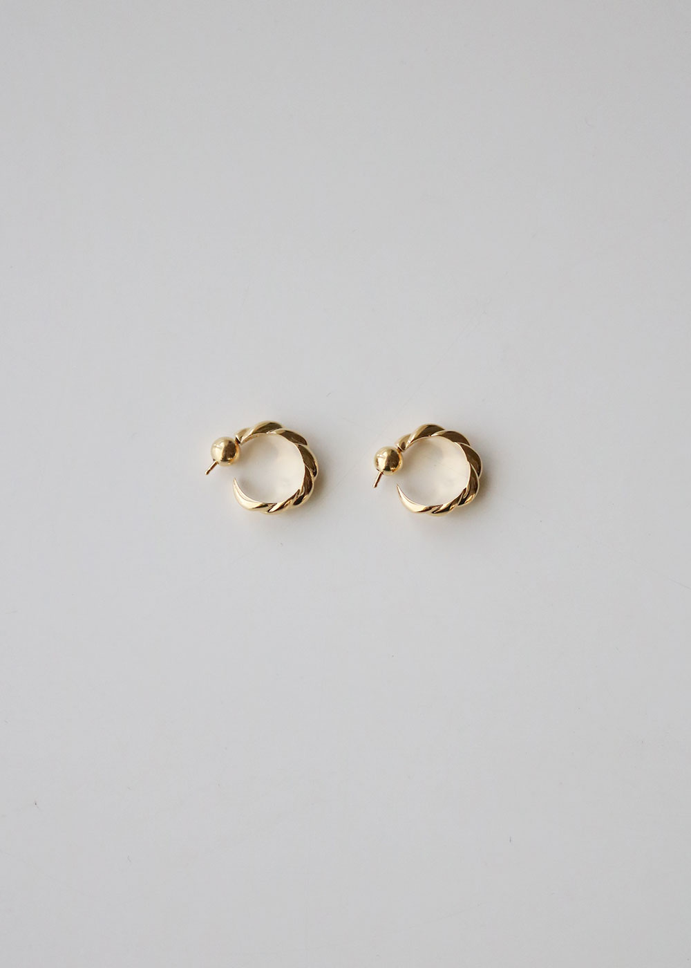 GOLD SMALL ROPE EARRINGS