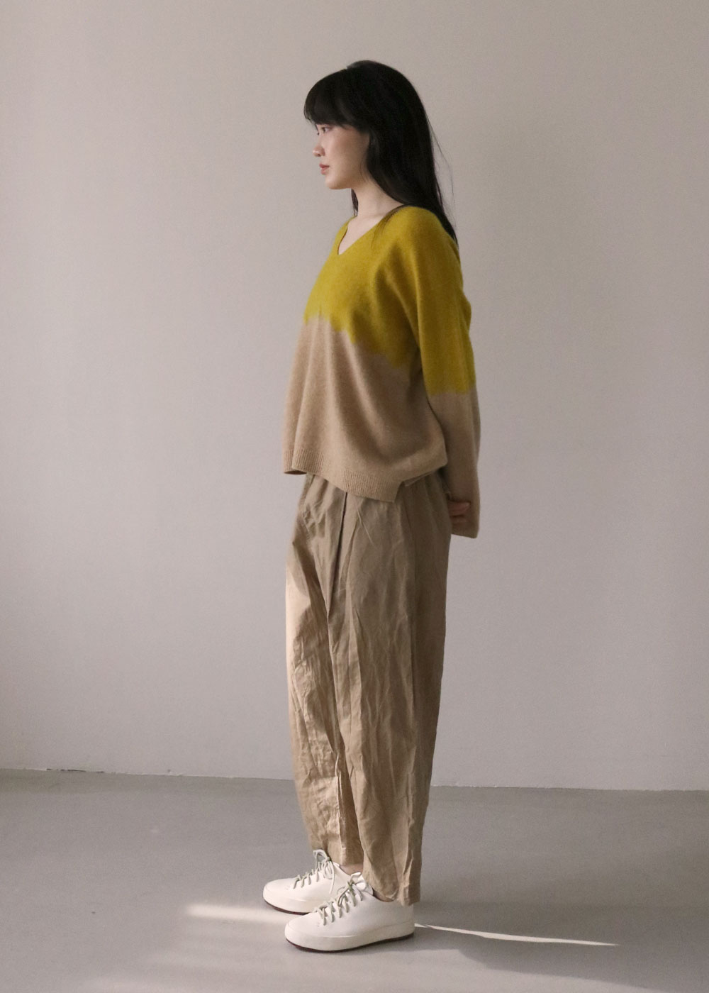 CASHMERE SEAMLESS V NECK PULLOVER - yellow/camel